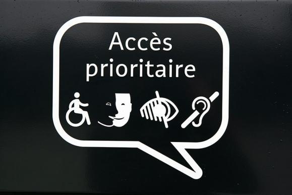 Stop trottoir, panneau publicitaire Tournai
